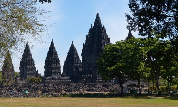 Tourism in Indonesia: Foreign Visitor Number Rises 8.7% in Jan-Oct